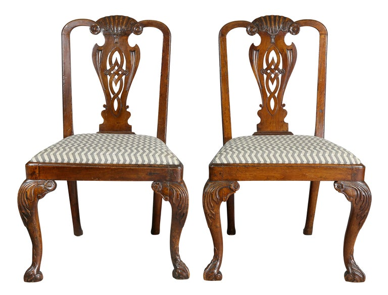English Pair of George II Walnut Side Chairs For Sale