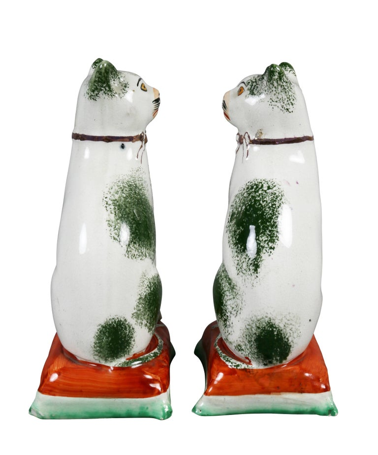 Mid-19th Century Pair of Staffordshire Pottery Cats For Sale
