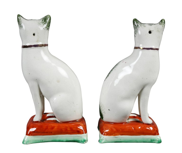 Pair of Staffordshire Pottery Cats For Sale 1