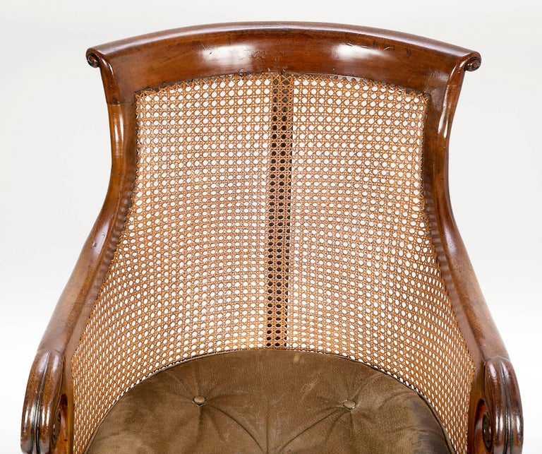Pair of Late Regency Mahogany and Caned Bergere Chairs In Good Condition For Sale In Essex, MA