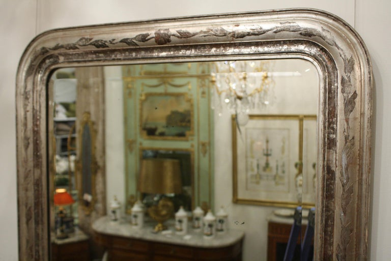 French Louis-Philippe Silver-Gilt Mirror with Vine Decoration and Bevelled Glass In Good Condition For Sale In Pembroke, MA