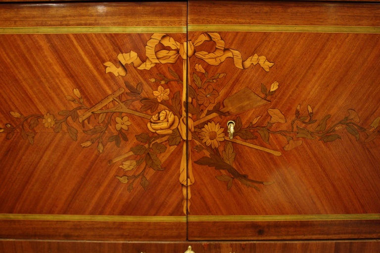French 19th Century Marquetry Commode with Marble Top For Sale 5