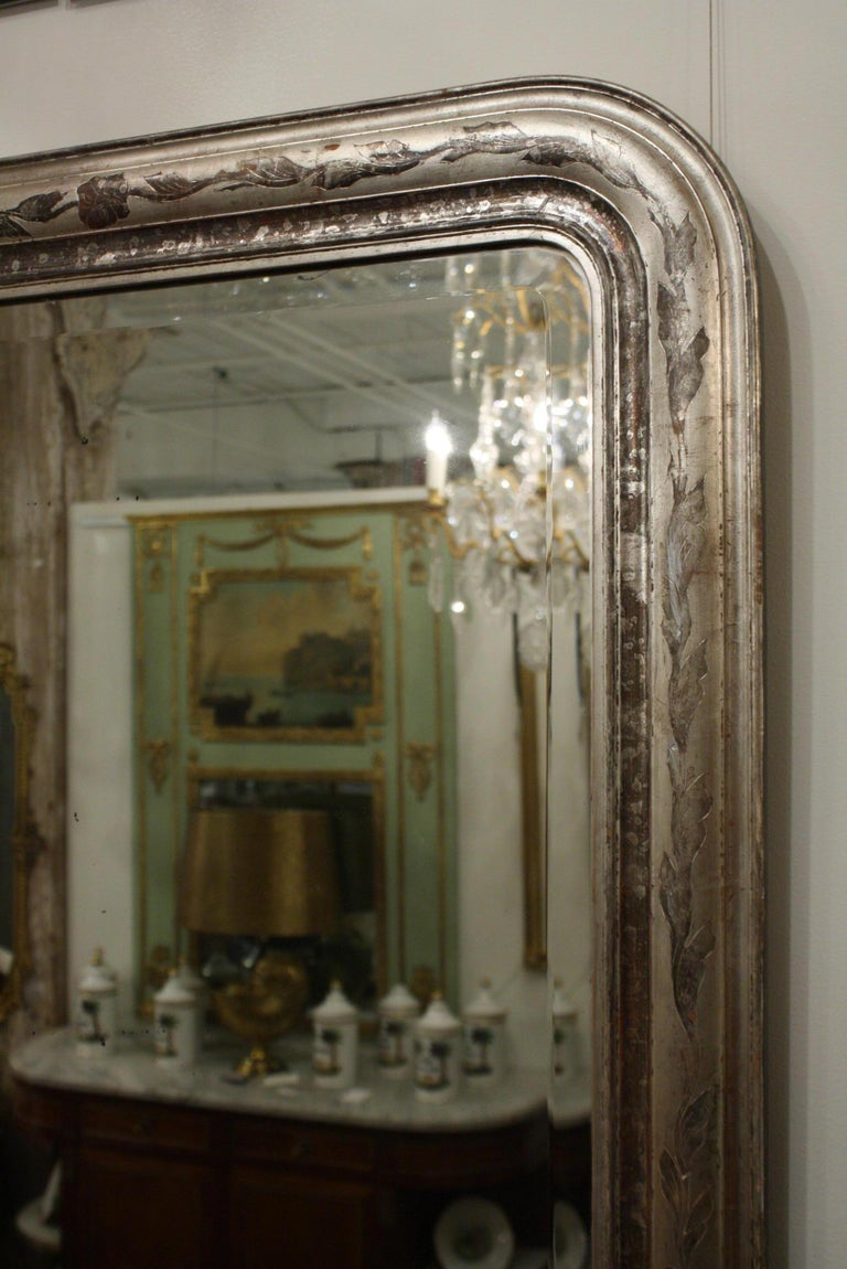 French Louis-Philippe Silver-Gilt Mirror with Vine Decoration and Bevelled Glass For Sale 3