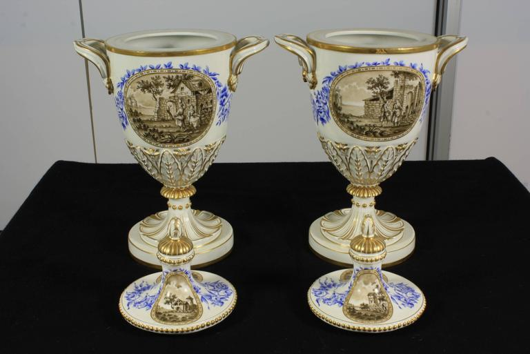 Porcelain Pair of Neoclassical Italian Lidded Urns For Sale