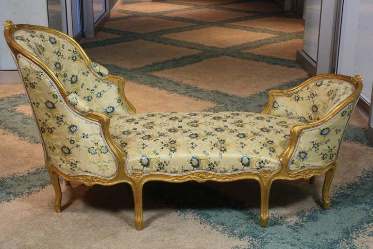 French Louis XV Style Giltwood Chaise Longue For Sale