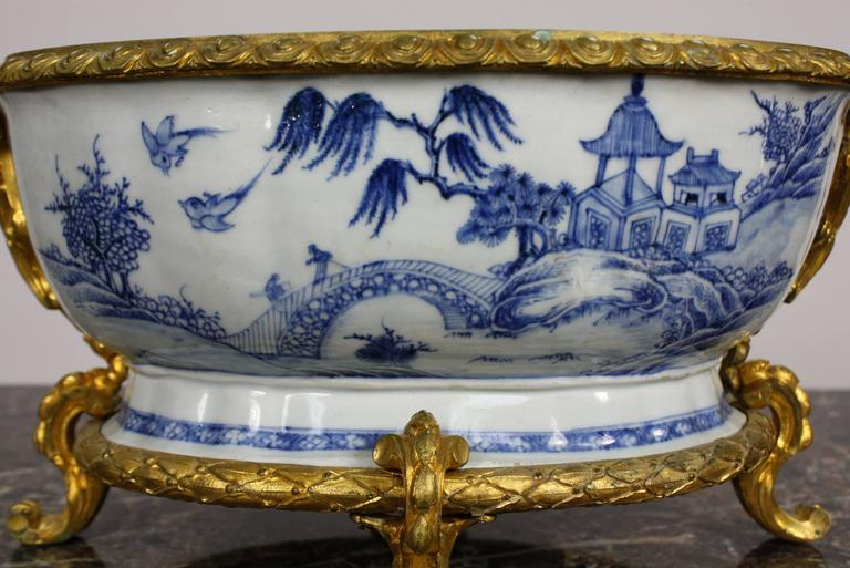 French Chinoiserie Jardinière with Gilt Bronze Mounts 8