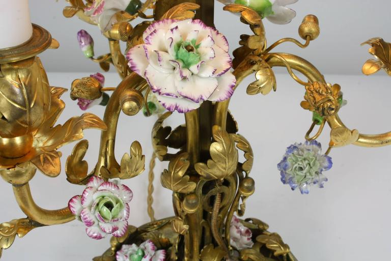 French Gilt-Bronze and Porcelain Flower Bouillotte Lamp For Sale 1