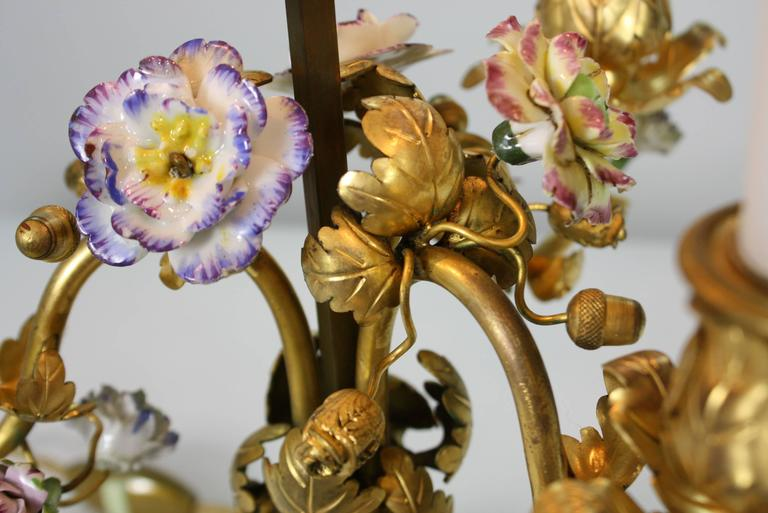 French Gilt-Bronze and Porcelain Flower Bouillotte Lamp For Sale 2