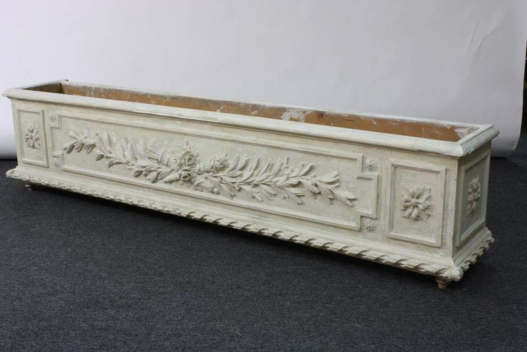 French Large Painted and Carved Wood Neoclassical Planter For Sale