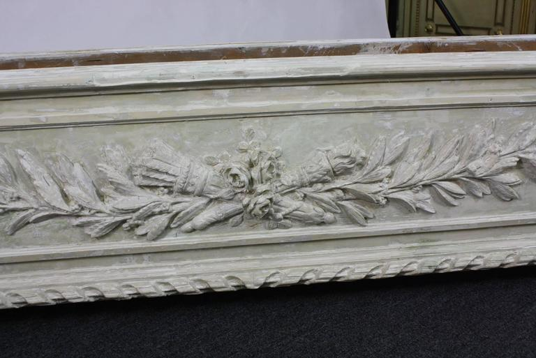 Large Painted and Carved Wood Neoclassical Planter For Sale 1