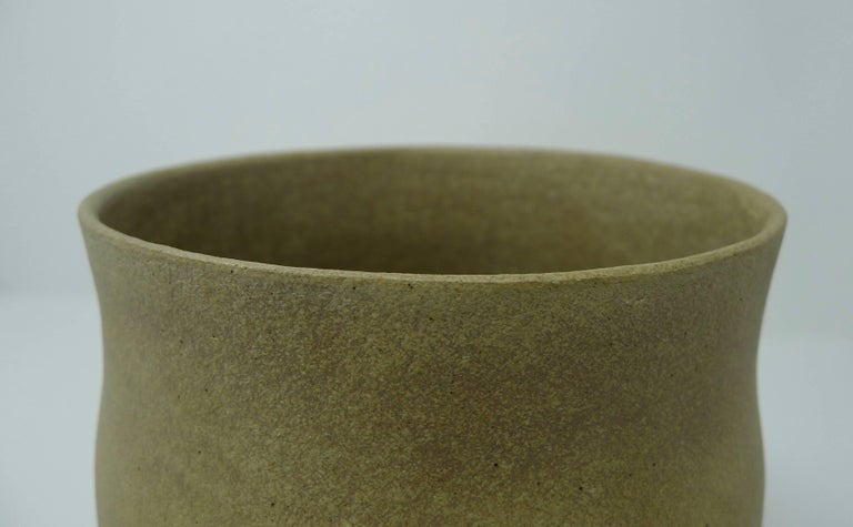 Minimalist Jennifer Lee Stoneware Pot, circa 1987, England For Sale