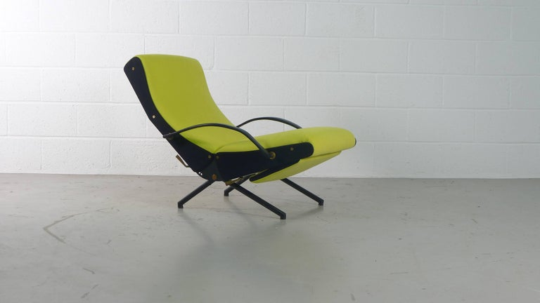 Osvaldo Borsani designed, circa 1955 for Tecno, Italy, the multi-tasking P40 armchair. Capable of changing into over 450 positions, this example is from the first series of production which has the earlier rounded leg profile. Fully refurbished and