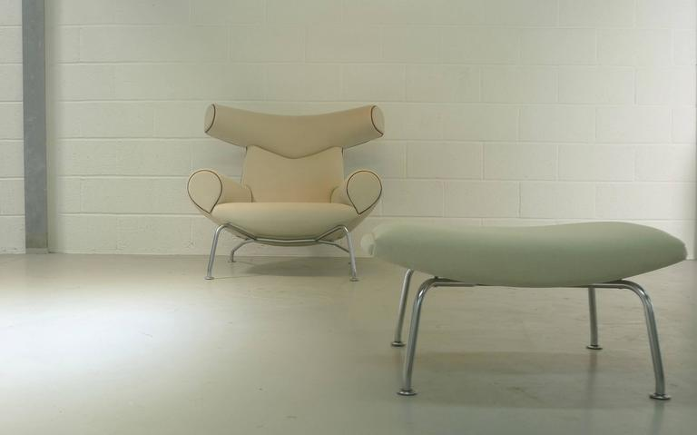 Hans Wegner Ox and Ottoman In Excellent Condition For Sale In Wargrave, Berkshire