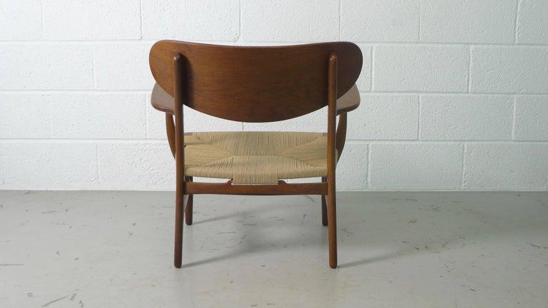 Hans Wegner for Carl Hansen, Denmark, Pair of CH22 Armchairs, 1950s For Sale 4