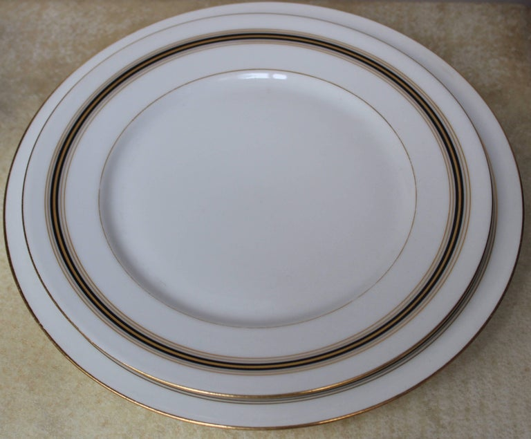 90-Piece Napoleon III Porcelain Dinner Service, French, circa 1870 For Sale 4