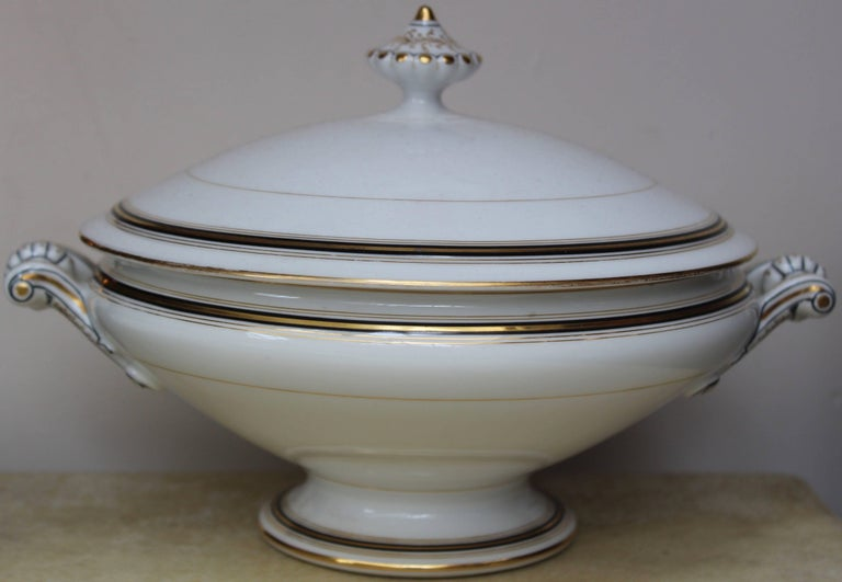 90-Piece Napoleon III Porcelain Dinner Service, French, circa 1870 For Sale 2
