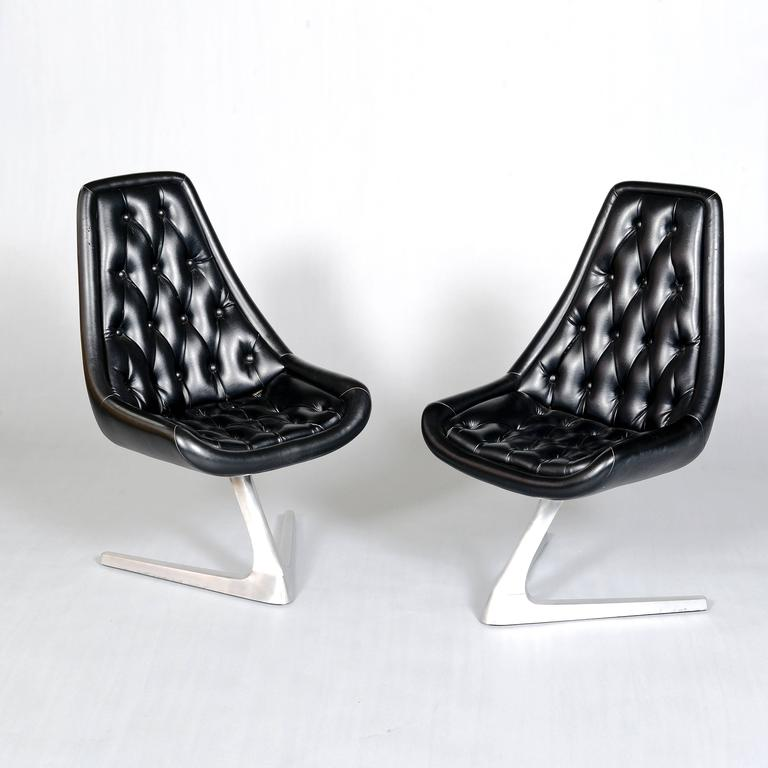 American 1960s Aluminium Chromcraft 'Sculpta' Chair Re-Upholstered in Black Leather For Sale