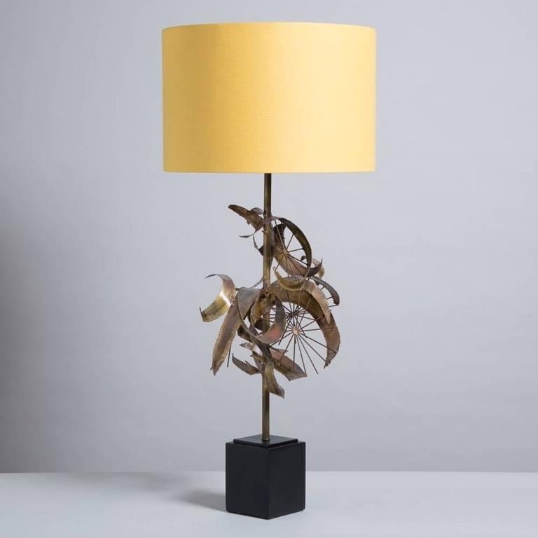 A Brass Brutalist Sculptural Table Lamp attributed to Curtis Jere USA 1970s width at widest point 36cm.