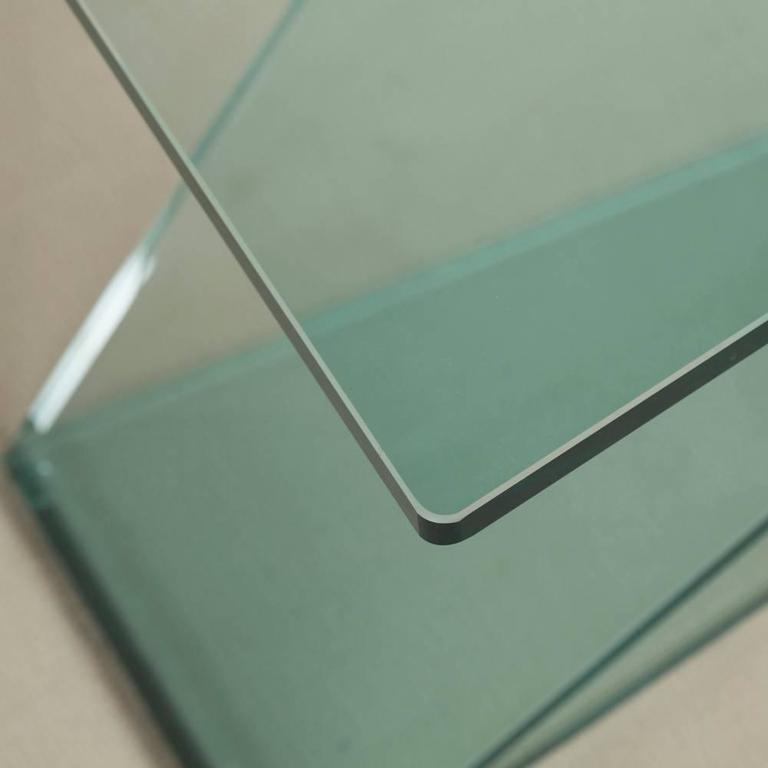 Cantilevered Sculptural Glass Side Table 4