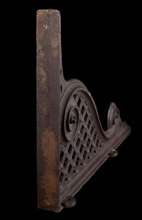 Pair Cast Iron Brackets In Good Condition For Sale In New York, NY