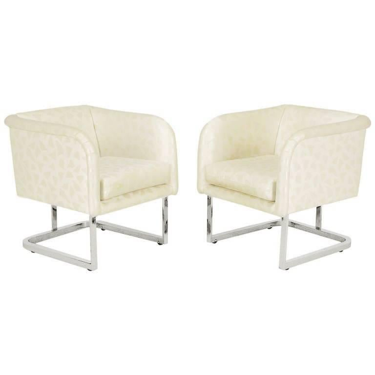 Pair of Milo Baughman Nickel and Ivory Glazed Cotton Print Club Chairs 1