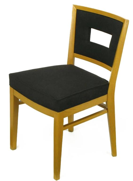 Set of Eight White Oak and Black Flannel Keyhole Back Dining Chairs In Excellent Condition For Sale In Chicago, IL