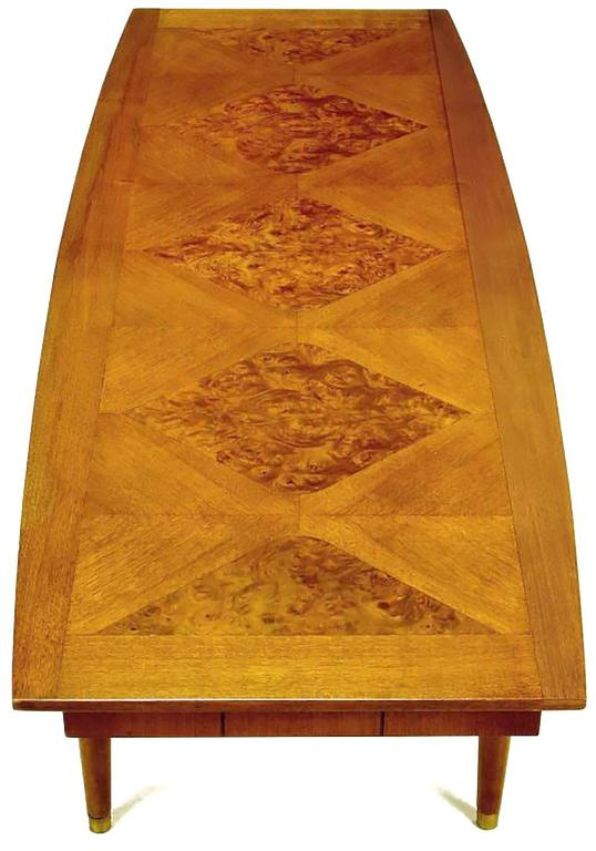 Oxford-Kent Long Walnut Coffee Table with Burled Parquetry Top In Excellent Condition For Sale In Chicago, IL
