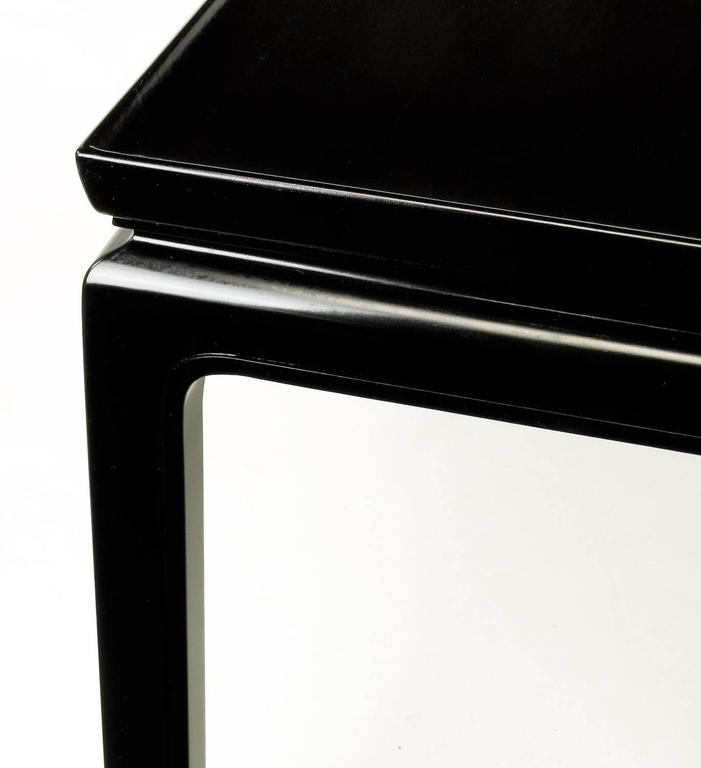 Saybolt & Cleland Ebonized Ming-Style Turned-Edge Side Table In Good Condition For Sale In Chicago, IL