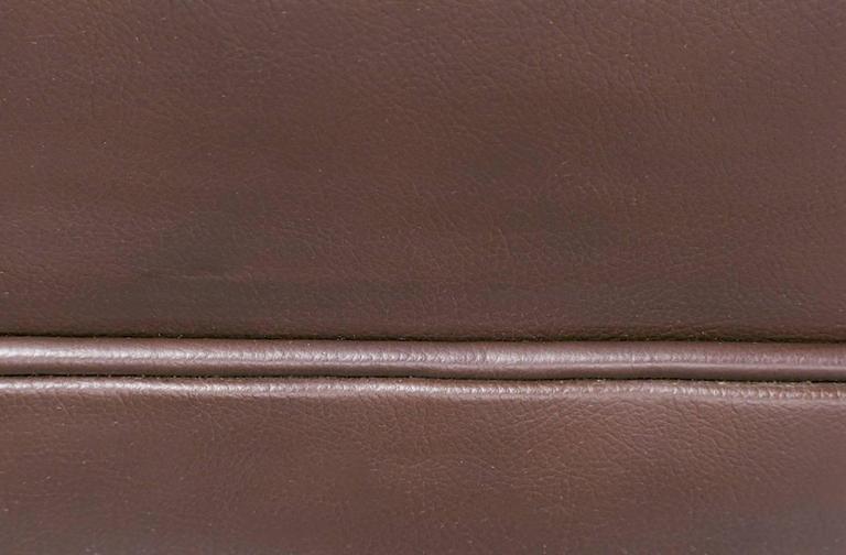 Heritage Furniture Dark Chocolate Leather Three-Seat Sofa, circa 1960s In Good Condition For Sale In Chicago, IL
