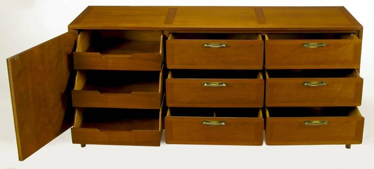 Mid-20th Century 1950s Red Lion Parquetry Front Mahogany Nine-Drawer Dresser For Sale