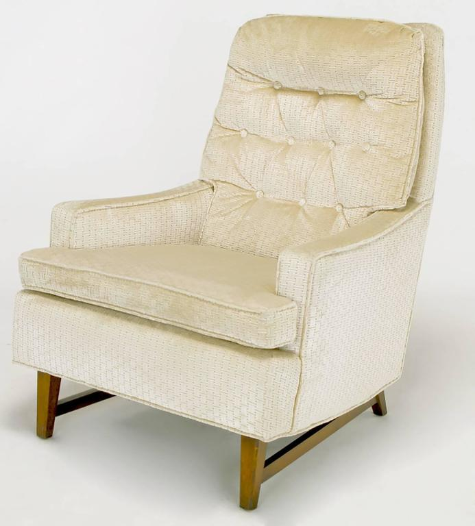 Pair of 1960s High Back Ivory Cut Velvet Lounge Chairs after Harvey Probber In Excellent Condition For Sale In Chicago, IL