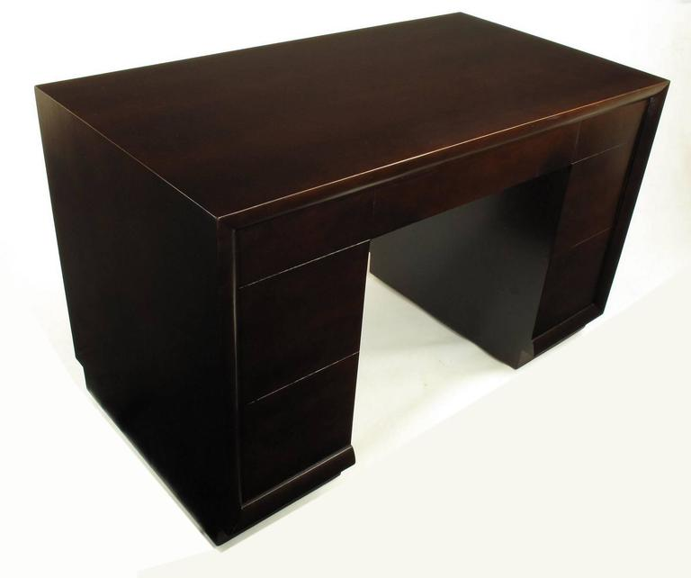 T.H. Robsjohn-Gibbings For Widdicomb Dark Mahogany Knee Hole Desk In Excellent Condition For Sale In Chicago, IL