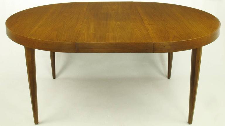 Mid-20th Century Sleek Modern Walnut Dining Table in the Style of T.H. Robsjohn-Gibbings For Sale