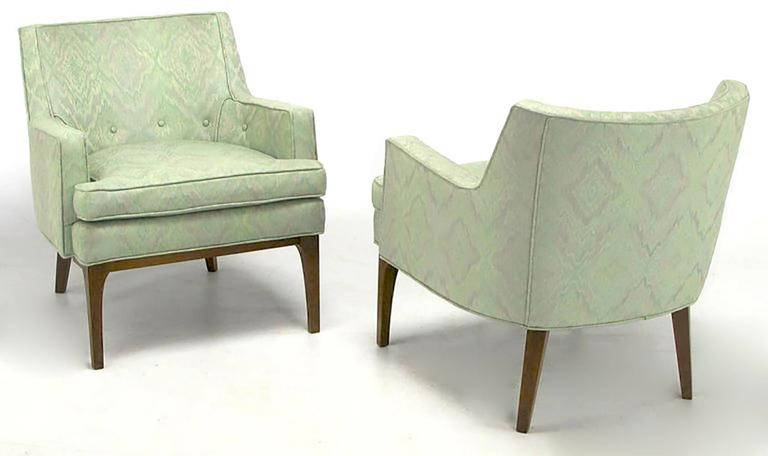 Mid-Century Modern Pair of Classic Barrel-Back Club Chairs in Ikat Upholstery For Sale