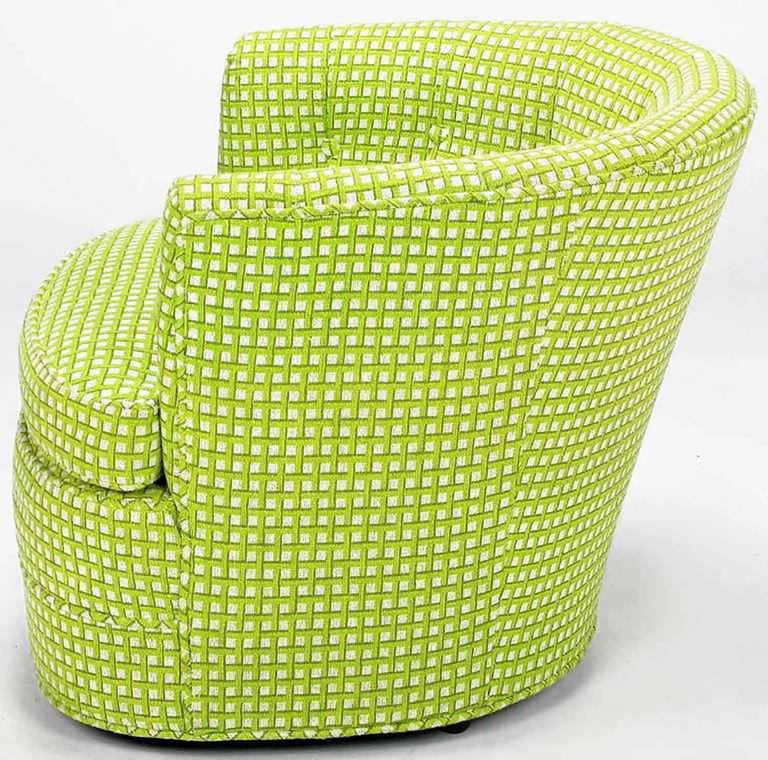 Pair of Barrel-Back Swivel Chairs in Chartreuse Needlepoint In Good Condition For Sale In Chicago, IL