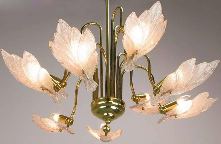 Mid-Century Modern Nine-Arm Murano Glass Leaf Chandelier in the Style of Barovier & Toso For Sale