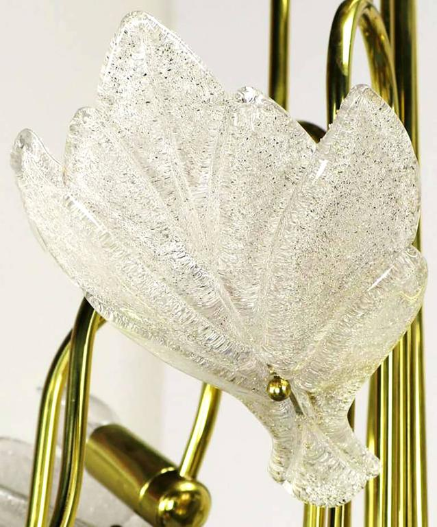 Nine-Arm Murano Glass Leaf Chandelier in the Style of Barovier & Toso In Excellent Condition For Sale In Chicago, IL