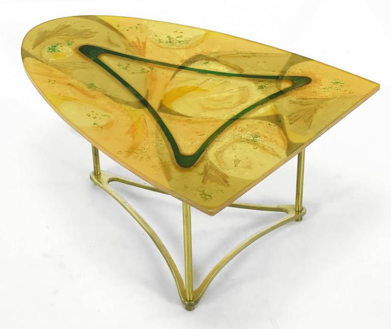 Demi-Ellipse Abstract Cast Resin and Brass Side Table In Good Condition For Sale In Chicago, IL