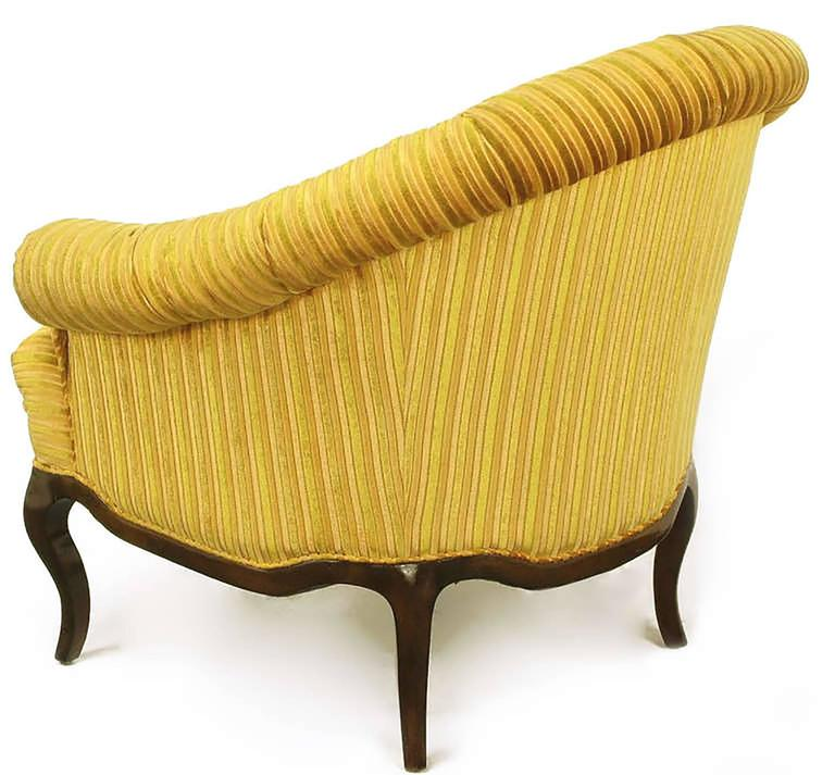 Elegant Pair of Interior Crafts Button-Tufted Barrel-Back Lounge Chairs In Good Condition For Sale In Chicago, IL