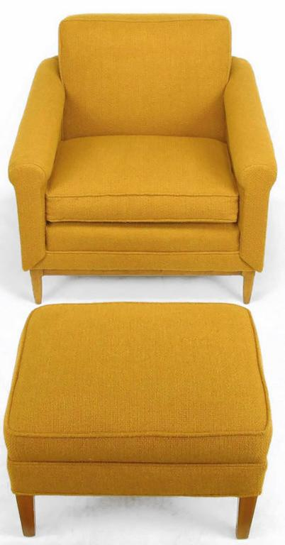 Mid-Century Modern Rolled Arm Lounge Chair & Ottoman in Amber Wool For Sale