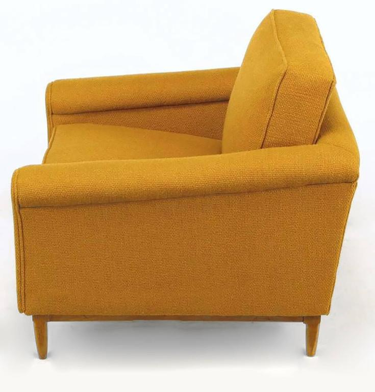 Rolled Arm Lounge Chair & Ottoman in Amber Wool In Good Condition For Sale In Chicago, IL