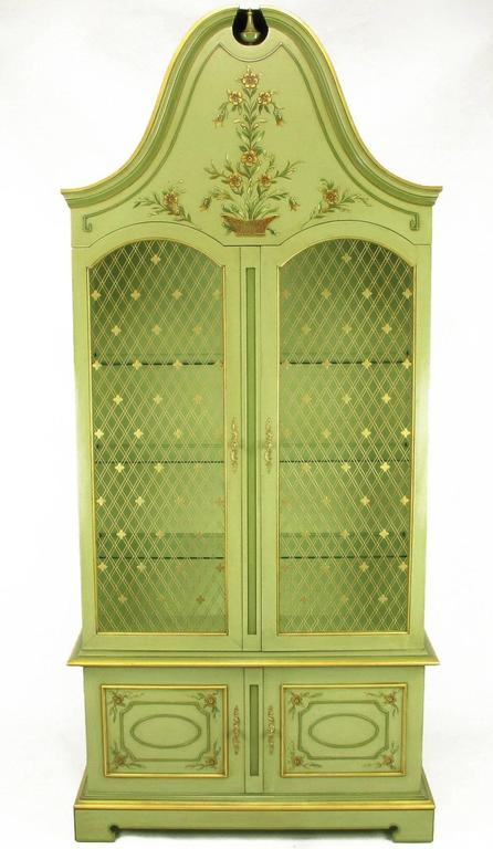 Pair of John Widdicomb Green Regency Style Display Cabinets In Excellent Condition For Sale In Chicago, IL