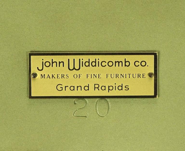 Pair of John Widdicomb Green Regency Style Display Cabinets For Sale 3