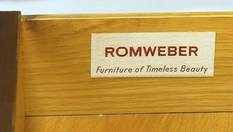 Rare Harold M. Schwartz for Romweber Burled Sideboard with Floating Cabinet For Sale 3