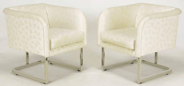 Pair of Milo Baughman Nickel and Ivory Glazed Cotton Print Club Chairs 2