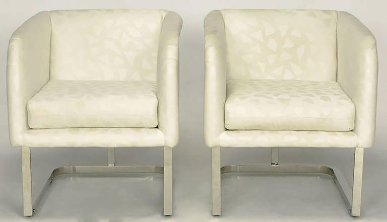 Pair of Milo Baughman Nickel and Ivory Glazed Cotton Print Club Chairs 3