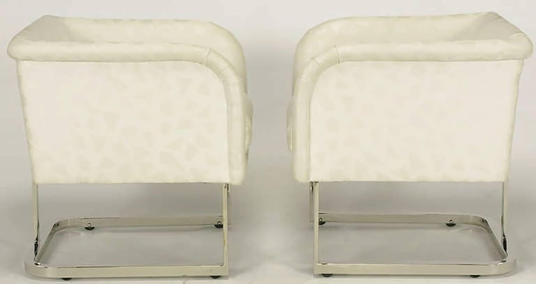 Pair of Milo Baughman Nickel and Ivory Glazed Cotton Print Club Chairs 4