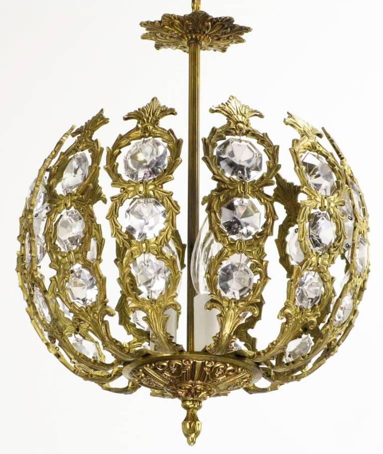 Regency Brass and Crystal Open Globe Pendant Light In Excellent Condition For Sale In Chicago, IL