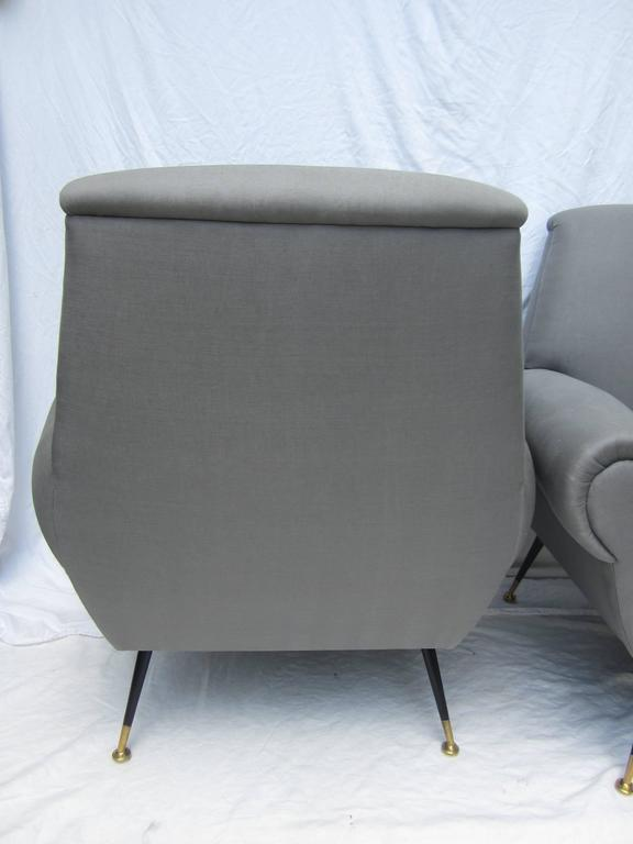 Pair of Italian Armchairs by Gigi Radice for Minotti In Excellent Condition For Sale In East Hampton, NY
