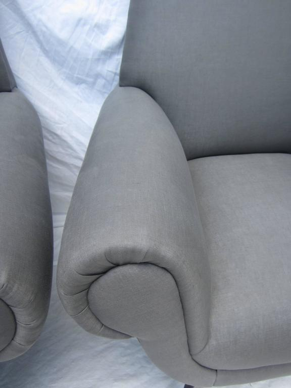Pair of Italian Armchairs by Gigi Radice for Minotti For Sale 2